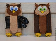 """Купить Хранители наушников """"Совушки"""" - коричневый, светло-коричневый, холдер для наушников, холдер, органайзер в сумку"""