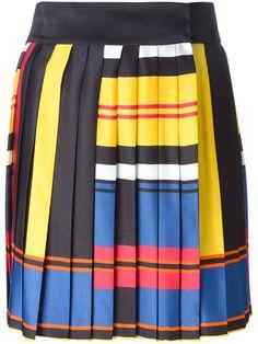 Street-style, the Valentino way - Luisa World Layered Skirt, Online Shopping For Women, Pleated Skirt, Balmain, Cheer Skirts, Knitwear, Valentino, Street Style, Elegant
