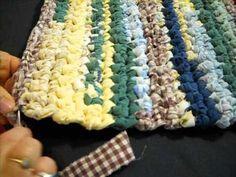 Handmade rugs easy handmade carpets simple, tapis faits may . Handmade rugs easy handmade carpets simple, tapis faits may … Handmade rugs easy Rug Yarn, Fabric Rug, Scrap Fabric, Rag Rug Diy, Homemade Rugs, Braided Rag Rugs, Rag Rug Tutorial, Rag Quilt, Woven Rug