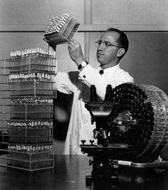 History of polio [Italian] Jonas Salk, Spirituality, History, Concert, Reading, People, Medicine, Historia, Spiritual