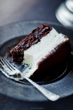Chocolate Cake with White Mousse