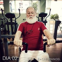 """Puxando tanto peso, acho que estou começando a entender como as renas se sentiam"" #Treino #AcreditaNoel #AcademiaGB"