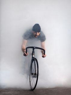 Que un poco de neblina no te detenga #pedalea!