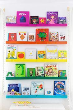 Bunte Kinder Kindergarten - Rainbow Room Home Design-Ideen - Bunte Kinder Kindergarten – Rainbow Room Home Design-Ideen - Rainbow Bedroom, Rainbow Kids Rooms, Rainbow Nursery Decor, Rainbow Baby, Diy 2019, Big Girl Rooms, Home Design, Design Ideas, Girl Nursery