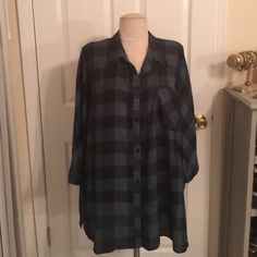 Emerald Plaid Top *Plus* Emerald plaid button up, 3/4 sleeve. Thin blouse material. (100% poly). Great used condition. ❤️Bundle to save!❤️ Ava and Viv Tops Button Down Shirts