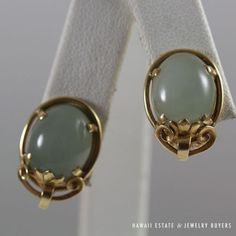 MING-039-S-HAWAII-PALE-GREEN-JADE-CABOCHON-14K-YELLOW-GOLD-CLIP-EARRINGS-NR