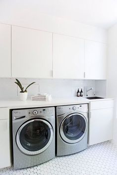 Find out additional details on laundry room storage small shelves. Have a look at our website. Modern Laundry Rooms, Laundry In Bathroom, Ikea Laundry Room Cabinets, Laundry Room Remodel, Laundry Room Organization, Utility Room Designs, Laundry Room Inspiration, Closet System, Laundry Room Design