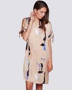 Minimum kleedje bij Paleis