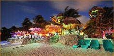 Best beachfront restaurant and local flavor: La Buena Vida Restaurant & Bar, Akumal Mexico