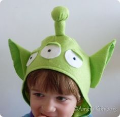 Toy story alien costume DIY with felt