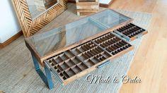 Aufgearbeiteten Holz Drucker Schublade Couchtisch - 2 Schubladen. hergestellt aus aufbereitetem Holz und antiken Drucker Schubladen. Flacher