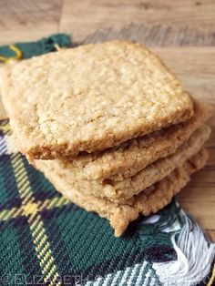 Cape Breton Oatcakes/ oat caked are great for crumbling and using as a crust for pies and bars. Beignets, Cookie Recipes, Dessert Recipes, Canadian Food, Canadian Culture, Canadian Recipes, English Recipes, Scottish Recipes, Scottish Oat Cakes