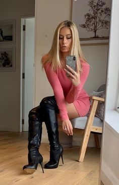 Beautiful and sexy 💕💋 Thigh High Boots Heels, Stiletto Boots, Heeled Boots, Sexy Boots, Sexy Heels, Talons Sexy, High Leather Boots, Girly Girl, Over The Knee Boots