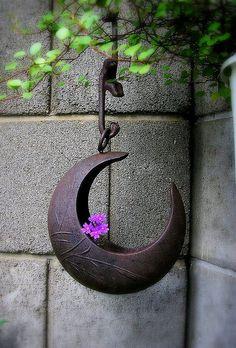 this garden art. photo by tanakawho Moon Garden, Dream Garden, Home And Garden, Witchy Garden, Gothic Garden, Patio, Backyard, Yard Art, Garden Inspiration