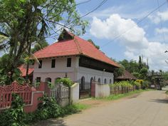 thazhathangady,kottayam,kerala......Architecture in our language ....with colonial ink...such a wonderful poetry............@shyamprasadev