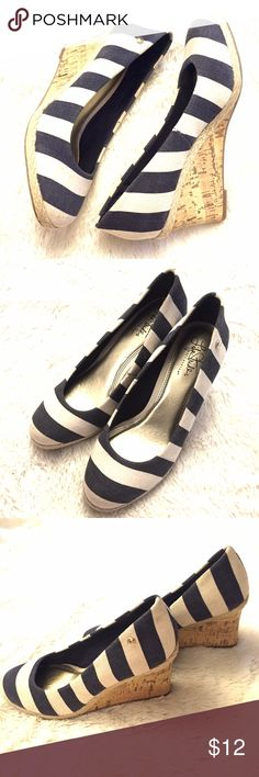 Life Stride Soft System Cork Wedge Heels 8 Cute nautical navy blue and white canvas striped wedge shoes by Life Stride. Round toe, cork wedge heel. Size US 8. In gently pre owned condition. Life Stride Shoes Wedges