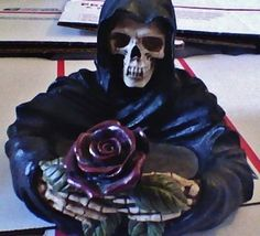 Death's Head and Rose Ashtray/Pipe Bowl/DispEtc. Made by PACIFIC G-Wear RARE !  IN TIME FOR HALLOWEEEEENNNNN !!!