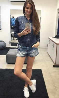 Look Camila Queiroz: Jeans