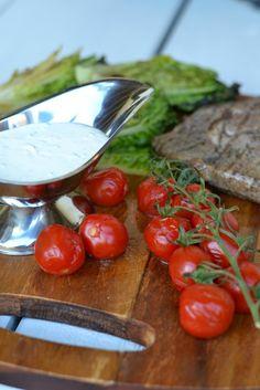 Vuohenjuustokastike ja grillattu salaatti