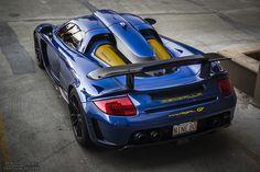 Best Sports Cars : Porsche Carrera GT…More suits, style and fashion for men @ www. Ferrari, Maserati, Bugatti, Lamborghini Aventador, Porsche Carrera Gt, Porsche 918 Spyder, Porsche Cars, Sexy Cars, Hot Cars