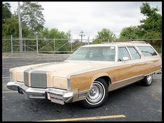 1976 Chrysler Town & Country Wagon
