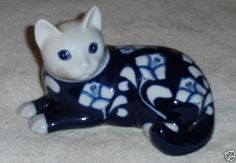 Vtg Camelia Blue & White Floral Cat Figurine Hand Painted Gallo Design Kitten