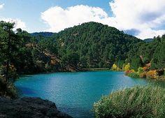 Si te encuentras de vacaciones y estas en el Parque Natural Sierras de Cazorla, Segura y Las Villas, tal vez te apetezca realizar, en 4x4, esta actividad de ruta por los Lagos. Descubrirás un Espacio Natural diferente con los guías experimentados.   http://www.reservatuvisita.es/pop_actividad.php?id=5826