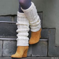 leg warmers over ankle boots! so cute!
