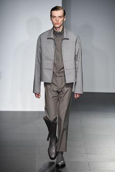 ジル・サンダー(JIL SANDER)2017年春夏コレクション Gallery14 Army Coat, Graduation Project, For Stars, Jil Sander, Men's Collection, Casual Wear, Fashion Inspiration, Duster Coat, Men's Fashion