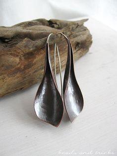 Orecchini pendenti in rame e argento forgiati
