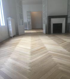 Rajeunissez votre intérieur ! L'Atelier des sols, spécialiste de la rénovation de parquet, vous accompagne dans votre projet. Pose Parquet, Hardwood Floors, Flooring, Brest, Tile Floor, Rennes, Atelier, Wood Floor Tiles, Wood Flooring
