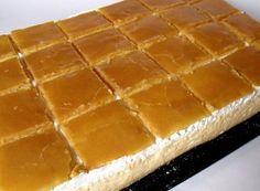 Francouzský krémeš Czech Recipes, Ethnic Recipes, European Dishes, Hungarian Recipes, Christmas Cooking, Sweet Desserts, Potato Recipes, Hot Dog Buns, Sweet Tooth