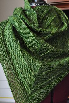 I fear I would die of boredom but I love the finished product and this green is luscious.