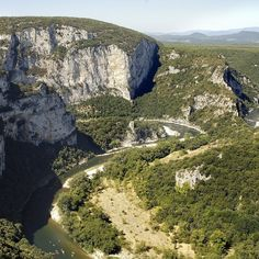 Les gorges de l'Ardèche Pays Francophone, Voyage Rome, Countries Of The World, Im In Love, Berlin, Most Beautiful, Images, Live, Nature