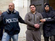 La Mafia é anche nella tua citta * Die Mafia ist auch in deiner Stadt : Die Camorra