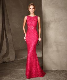 Imagen 2 Carina: Espectacular vestido largo de encaje de estilo sirena. Precio…