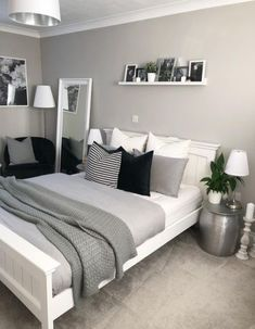 25 trendy bedroom ideas for small rooms modern desks 25 trendy . 25 trendy bedroom ideas for small rooms modern desks 25 trendy bedroom ideas for small rooms modern desks Bedroom Layouts, Room Ideas Bedroom, Small Room Bedroom, Trendy Bedroom, Home Decor Bedroom, Ikea Bedroom, Bed Room, Bedroom Green, Bedroom Styles