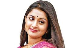 காதலரை பிரியாத மீரா ஜாஸ்மின்  http://cinema.dinamalar.com/tamil-news/15071/cinema/Kollywood/Meera-Jasmines-lover-breaking.htm