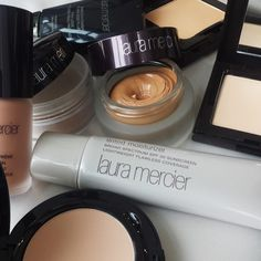 Which of Laura's flawless foundations do you rely on? Flawless Foundation, Flawless Face, Beauty Essentials, Beauty Hacks, Look Good Feel Good, Beauty Review, Laura Mercier, Sunscreen, Body Care