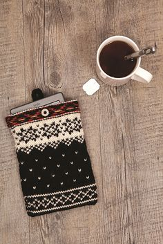 Ravelry: Nordic Tablet Case pattern by Helen Bunting