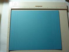 So und hier mal die Anleitung für die süßen Schokiverpackungen. Das praktische daran ist, dass sie genau mit einem A4-Blatt Tonpapier zu mac... Stampin Up Anleitung, Stamping Up, Box Packaging, Origami, Paper Crafts, Punch Board, Mac, Scrapbooking, Gift Boxes