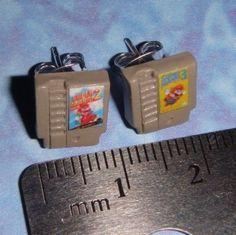 Nintendo Game Cartridge Earrings = i want