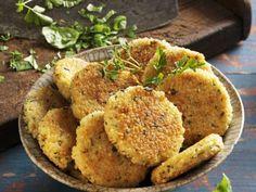 Vegetarische Frikadellen ist ein Rezept mit frischen Zutaten aus der Kategorie Kochen. Probieren Sie dieses und weitere Rezepte von EAT SMARTER!