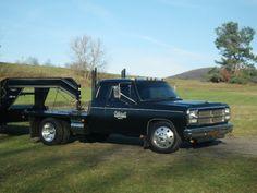 Let's see the gen flatbeds! Old Dodge Trucks, Dodge Pickup, Lowered Trucks, Big Rig Trucks, Lifted Trucks, Cool Trucks, Pickup Trucks, Dodge Dually, Dodge 2500