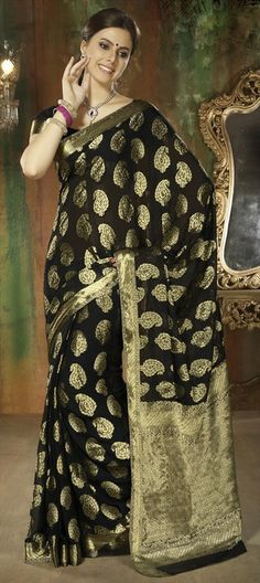 126267: Our Favorite - #SilkSaree with fine gold Thread-work. So regal.