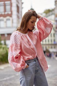 Ukrainian Vyshyvanka blouse Embroidered Women Shirt Gift for Her Jacket Style Kurti, Estilo Popular, Cute Scarfs, Folk Fashion, Linen Blouse, Embroidered Blouse, Elegant Woman, Stylish Outfits, Amazing Women