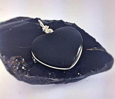Obsidian Power Heart von LaSombrilla auf Etsy