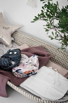 Discover how to use cloth nappies affordably for newborns with prefolds and muslins Modern Cloth Nappies, Cloth Diapers, Reusable Menstrual Pads, Plastic Free July, Newborn Needs, Multiplication For Kids, Changing Mat, Small Baby, Second Hand Clothes