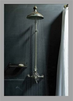 Rain shower Tap the link now to see where the world's leading interior designers purchase their beautifully crafted, hand picked kitchen, bath and bar and prep faucets to outfit their unique designs. Bad Inspiration, Bathroom Inspiration, Ideas Baños, Decor Ideas, Decorating Ideas, Interior And Exterior, Interior Design, Interior Modern, Tadelakt