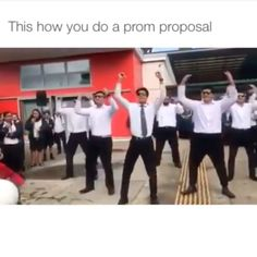 Prom ideas Imagine being rejected after all that hard work Dance Proposal, Proposal Videos, Cute Relationship Goals, Cute Relationships, True Friendships, Funny Cute, The Funny, Cute Prom Proposals, Homecoming Proposal